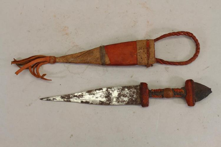 20TH C. TUAREG KNIFE W/ SHEATH