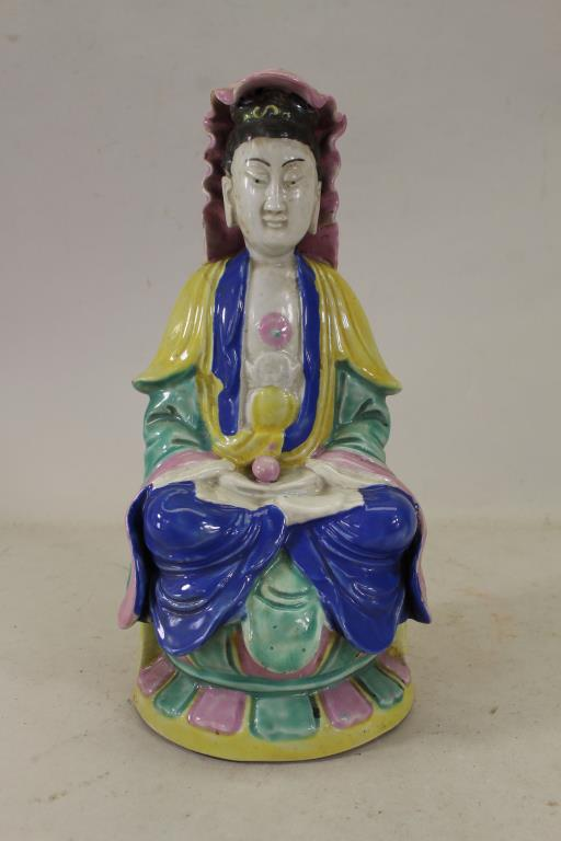 LATE QING DYNASTY SEATED PORCELAIN GUANYIN