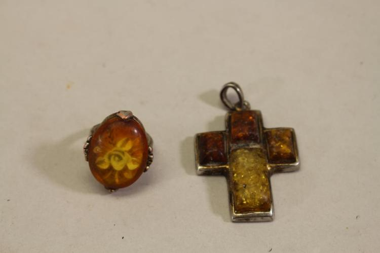 VINTAGE MIXED STONE RING AND PENDANT