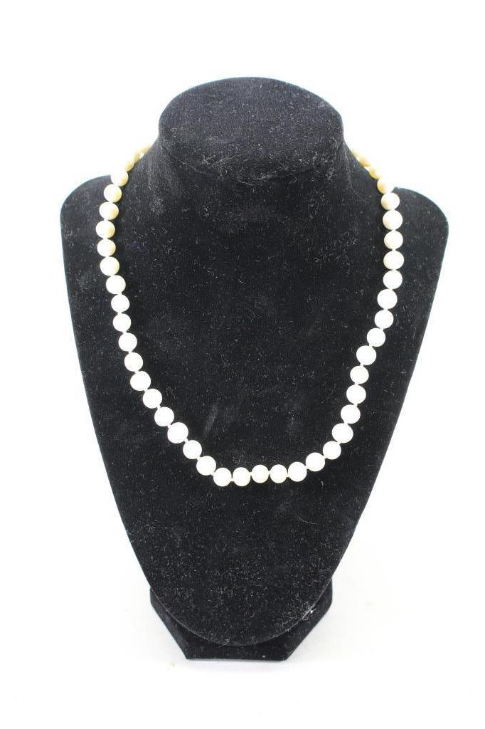 Vintage Pearl Necklace w/ 14k Clasp