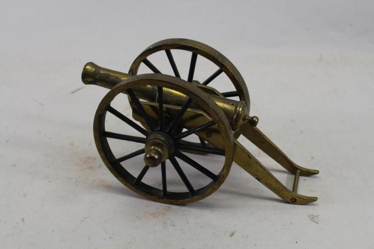 MINIATURE BRASS SIGNAL CANNON
