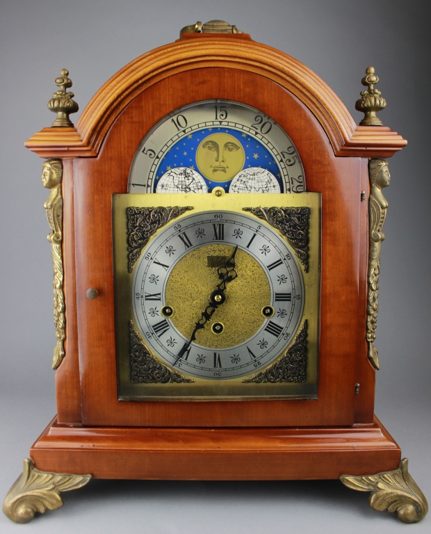 Antique Footed Walt Mantel Clock
