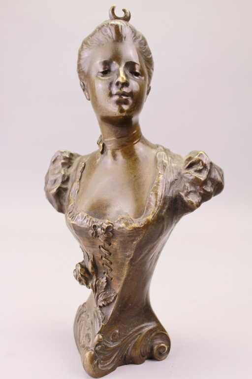 Henri Godet  (1863 - 1937) Bronze Bust of a Woman