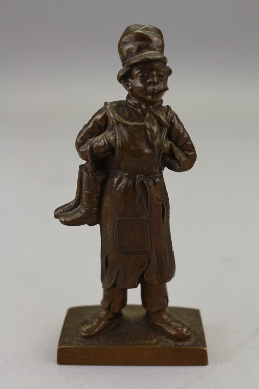 Signed Antique Bronze sculpture of Dutch man