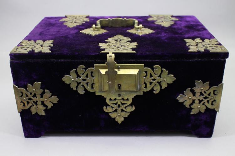 Victorian Velvet Box