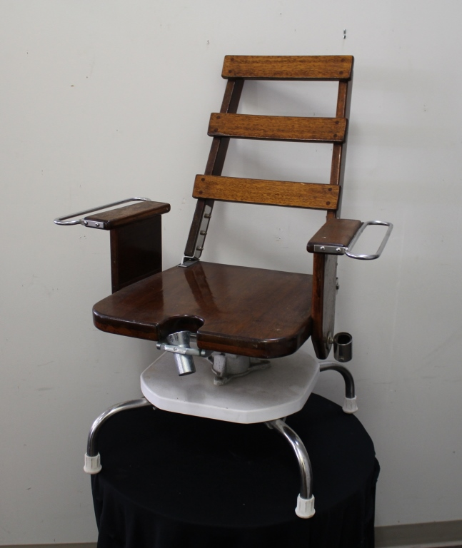 Fishermans Wooden Fighting Chair Hofbrow Inc