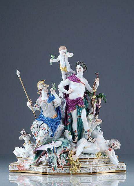 Seltene Figurengruppe mit Apollo und Athene. Johann Joachim Kaendler für Meissen. Ausführung vor 1924.