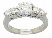 1.13 ctw Diamond Ring - Platinum