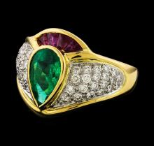 1.32 ctw Emerald and Diamond Ring - 18KT Yellow Gold
