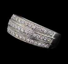 0.38 ctw Diamond Ring - 18KT White Gold