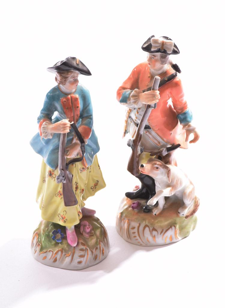 PAIR OF DRESDEN HUNTING FIGURES.
