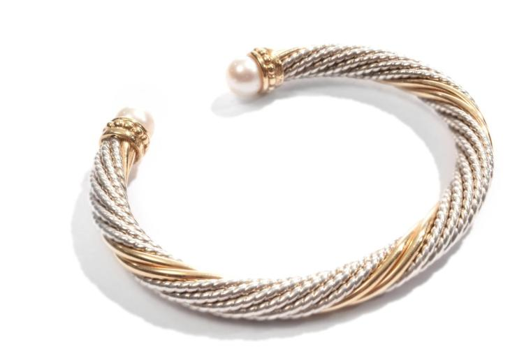 GOLD AND STERLING BRACELET IN THE MANNER OF DAVID YURMAN.