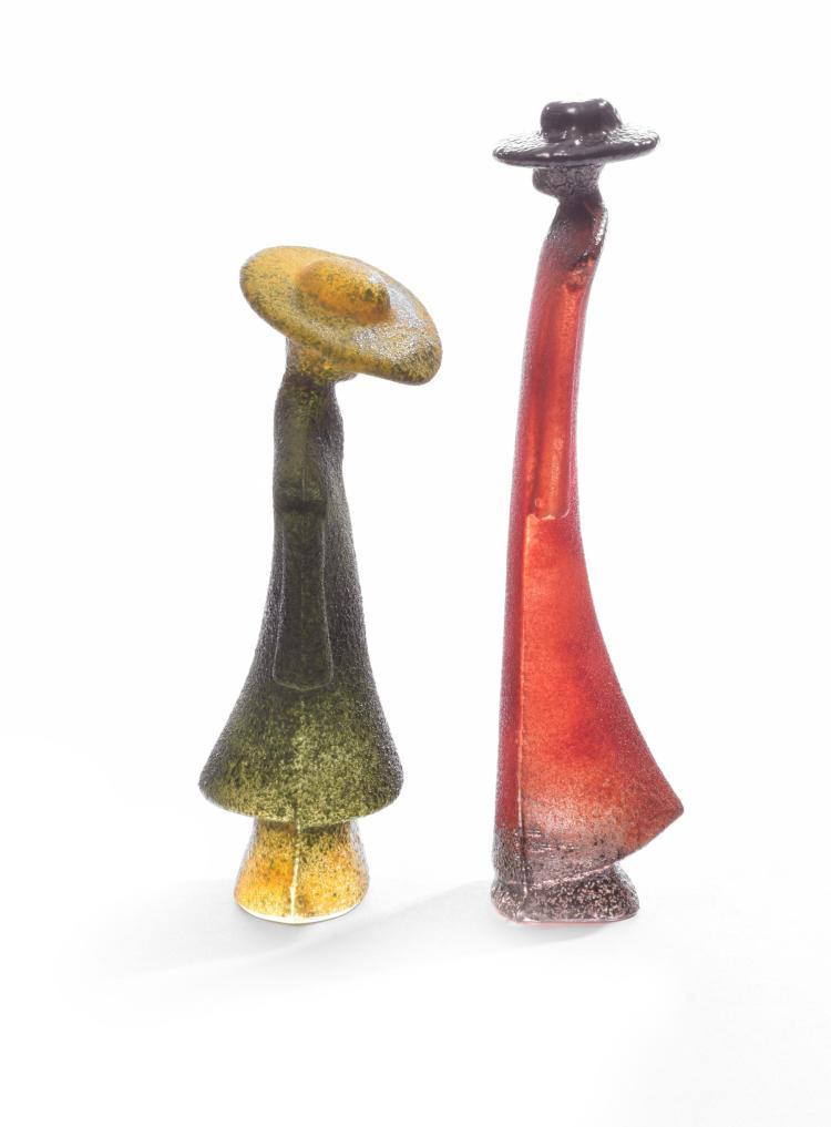 TWO KOSTA BODA GLASS SCULPTURES BY KJELL ENGMAN.