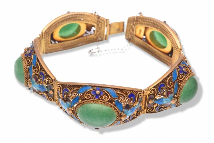 CHINESE GOLD TONE STERLING AND JADE BRACELET.
