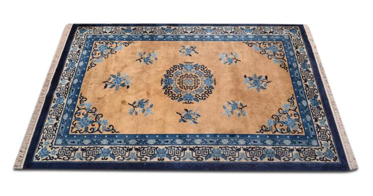 HAND WOVEN PEKING DESIGN HALL RUG.