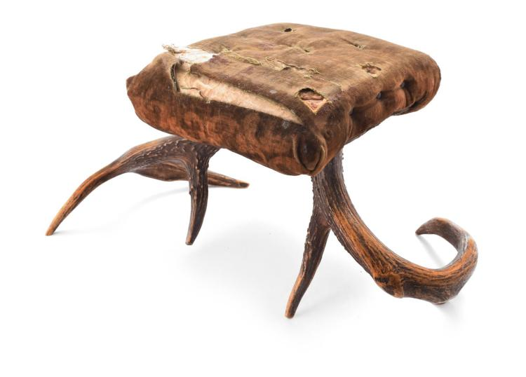 VICTORIAN ERA ANIMALIA STOOL.