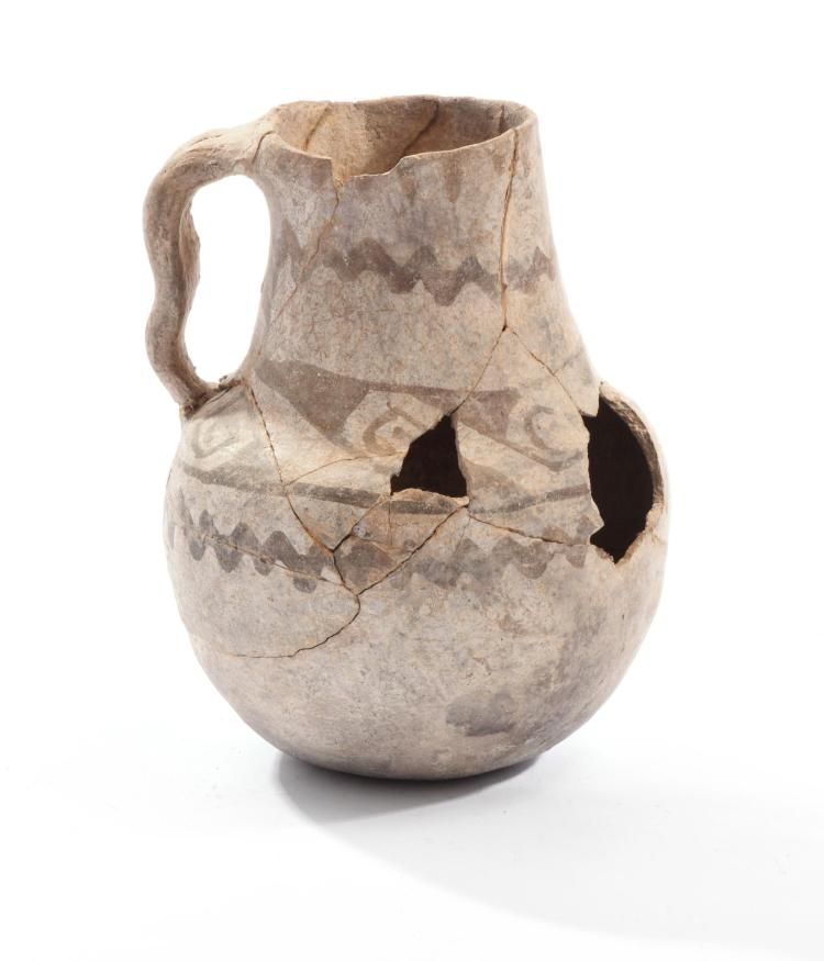 PREHISTORIC NATIVE AMERICAN ANASAZI POTTERY PITCHER.
