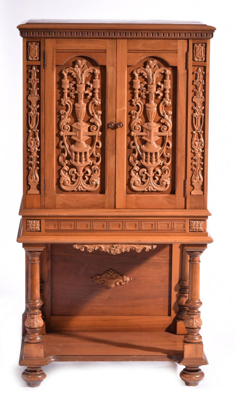RADIO CABINET ON STAND.