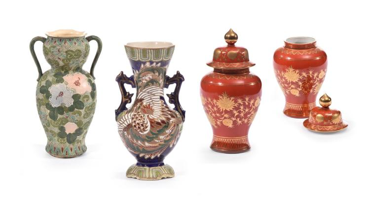 FOUR JAPANESE VASES.