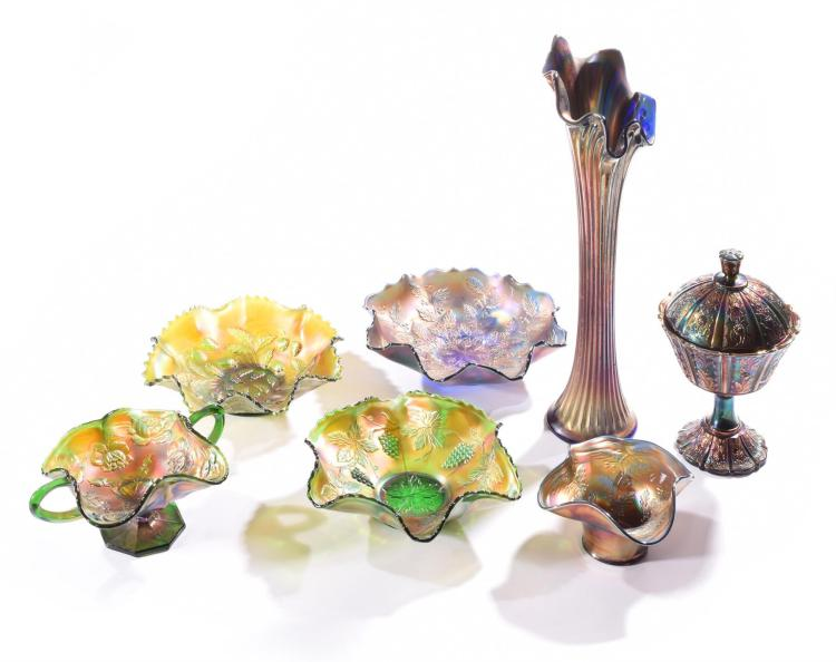 SEVEN PIECES OF FENTON CARNIVAL GLASS.
