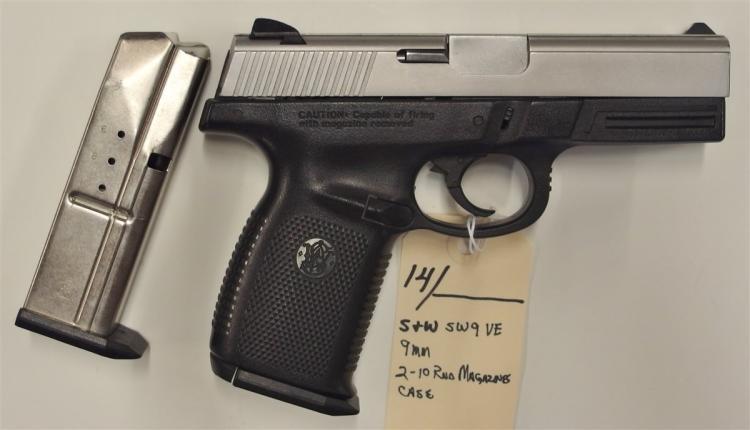 Lot 14: SMITH & WESSON SW9VE 9mm Semi-Auto Pistol