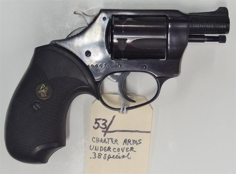 Lot 53: CHARTER ARMS Model Undercover .38 SPL Revolver
