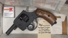 Lot 56: NEW ENGLAND Firearms Model B22 .22 cal. Short Blank Black Powder Revolver, Starter Pistol