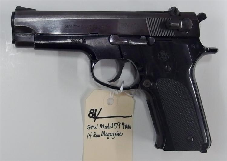 SMITH & WESSON Model 59 9mm Semi-Auto Pistol