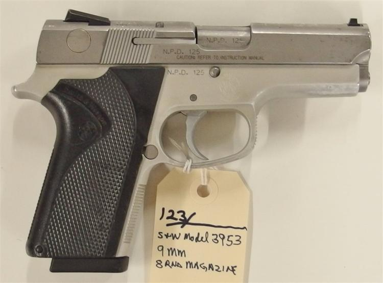 Lot 123: SMITH & WESSON Model 3953 9mm Semi-Auto Pistol