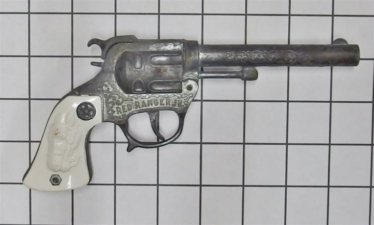 "Toy Cap Gun – 1950's Wyandotte RED RANGER JR, White Horse Head Grips, 8""L"