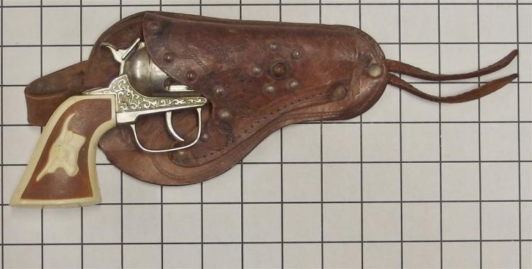 "Toy Cap Gun – GABRIEL, Brown & White Steer Head Grip, 9""L, Leather Ranger Holster"