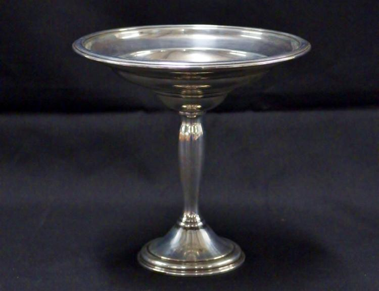 Lot 10: International STERLING Compote, 'Berkeley' Pattern T209, Weighted, 262g