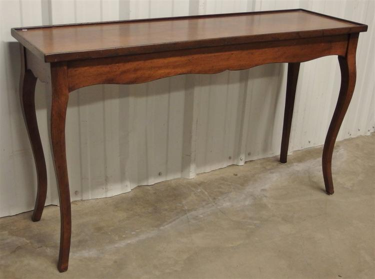Italian Sofa Table with Cabriole Legs