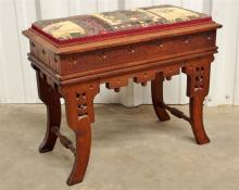 Lot 61: Eastlake Bench with Storage