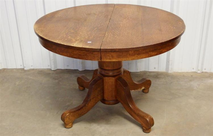 Round Oak Table, 42D