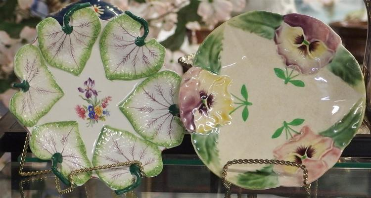 Lot of 2 Majolica Plates - Mottaheden Design, HB & Co. Choisy-le-Roi