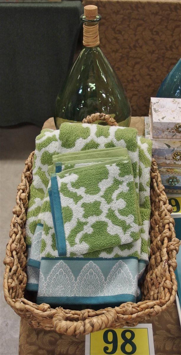 Lot 98: Lot of 5 – Woven Basket 12x17, Bath Towel, Hand Towel, 2 Washcloths
