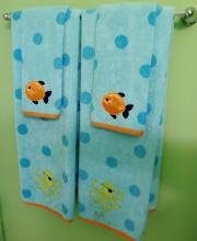 Lot 122: 9 pc. Kids Bath Accessories