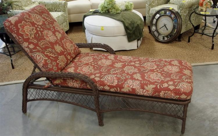 Lot 15A: All-weather Chaise Lounge