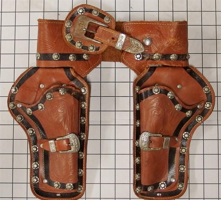ROY ROGERS Leather Holster for Toy Cap Guns, Embossed Studded RR Logo, 31""