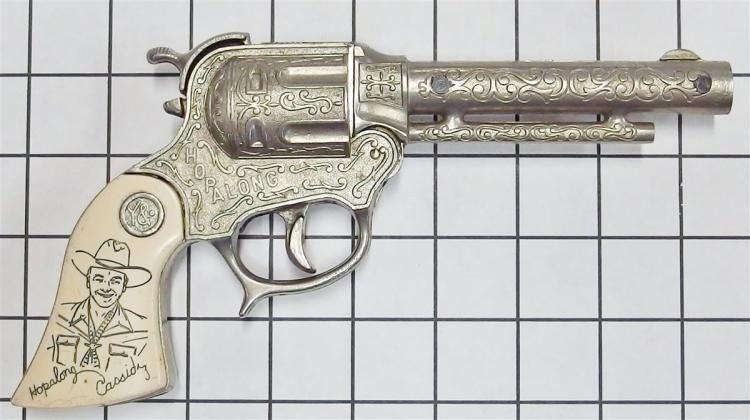 "1950 Wyandotte HOPALONG CASSIDY Toy Cap Gun, Ivory White Incised Grips, 9""L"