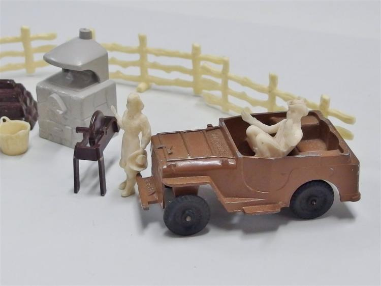 Lot 16: Cast Metal Nellybelle Toy Jeep & Camp Set