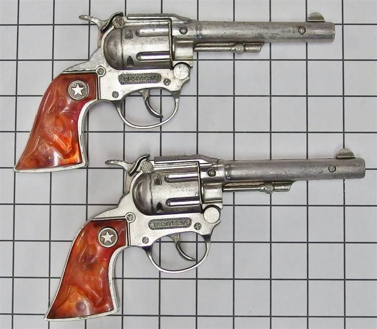 """Pair of 1960s Hubley WESTERN Toy Cap Guns, Root Beer Steer Head Grips, 9""""L"""