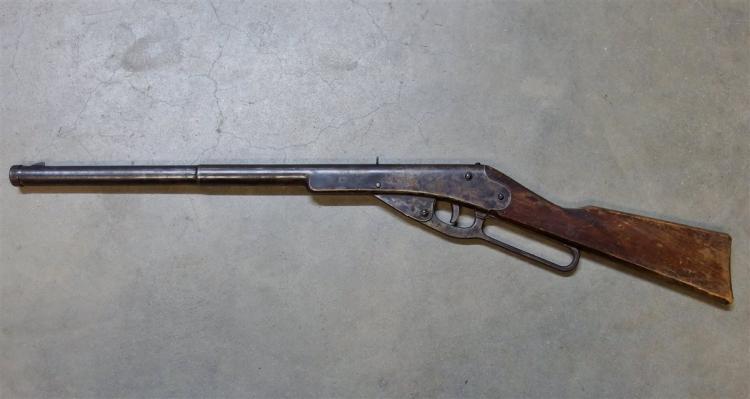 Lot 80: 1936-41 King Mfg Co. Model 2236 500 Shot BB Rifle, Plymouth MI, Wood Stock
