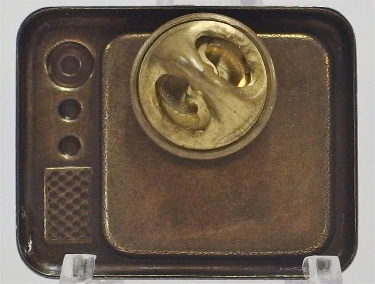 "Lot 114: Rare 1950's ROY ROGERS & TRIGGER TV Set Pinback, 1-1/8 x 7/8"""