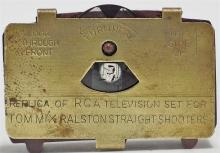 Lot 115: 1949 TOM MIX RCA TV Viewer, Ralston Premium with Disk, 1-3/8 x 7/8""