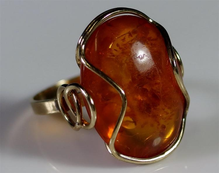 8K Gold Amber Ring, Size 7