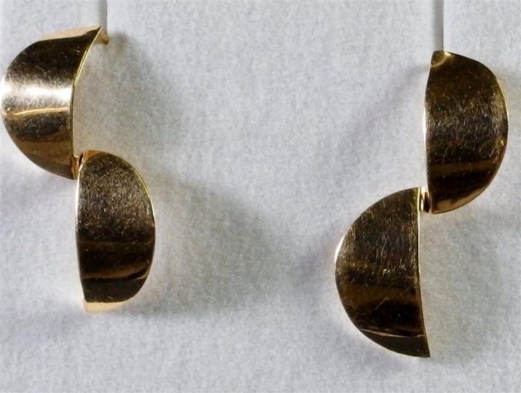 """14K Gold Earrings, 1-1/4"""". 2.7g"""