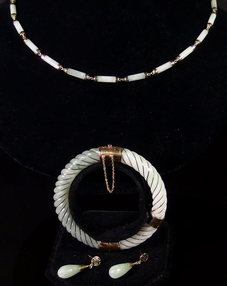 Lot 26: 14K Gold White & Green Jade Bracelet, Necklace & Earrings Set