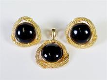 Lot 36: 14K Black Onyx Cabochon Pendant & Earrings
